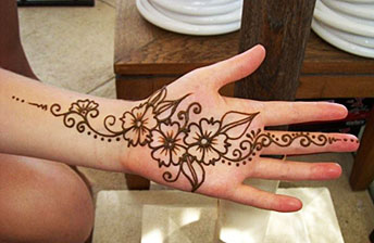 Mehndi Tattoo Hip : Henna tattoo artist booking agency entertainment comedy capers